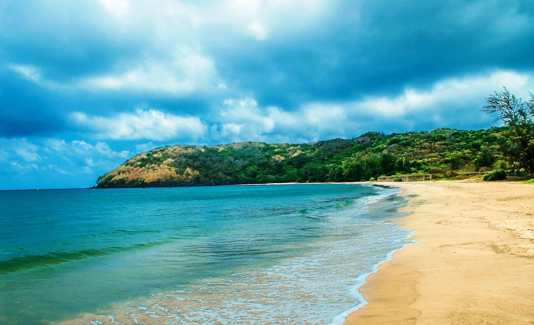 Bãi biển Đầm Trầu
